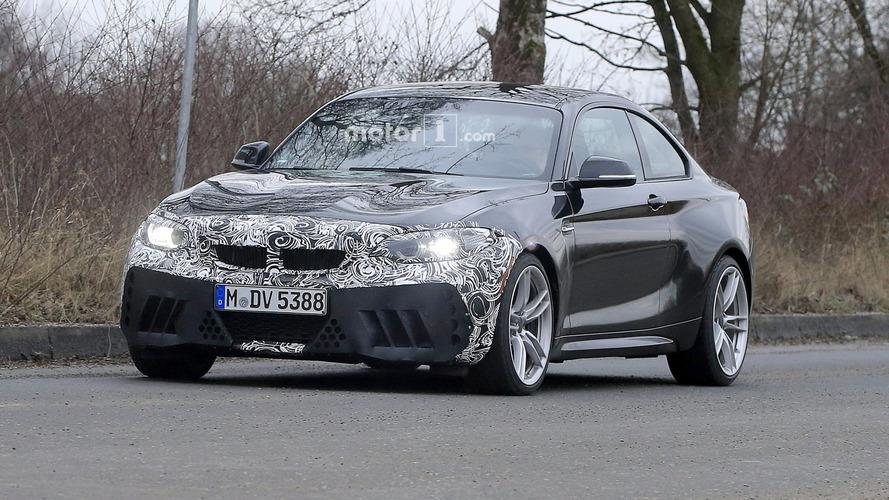 Makyajlı BMW M2'ye casus fotoğraflarıyla ilk bakış