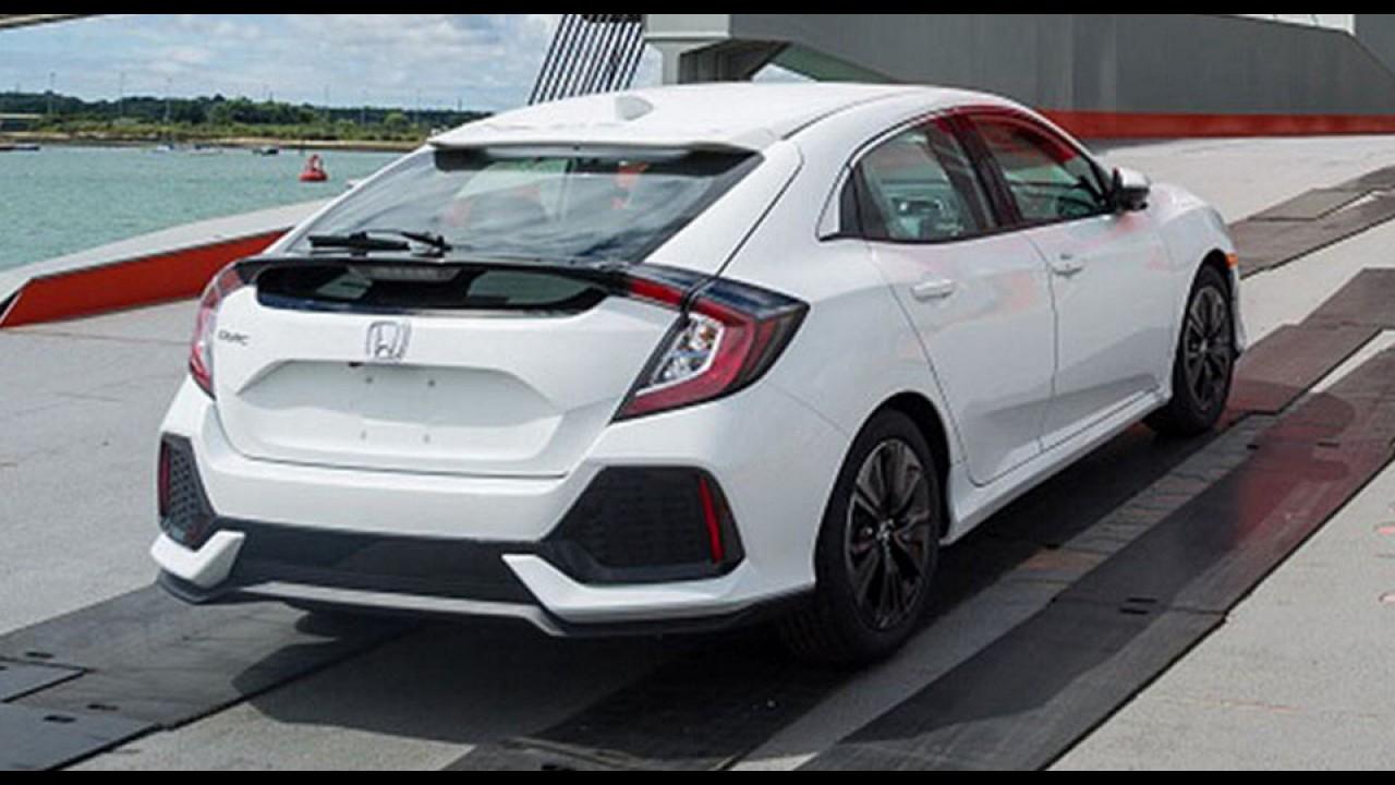 """Flagra: Novo Honda Civic Hatch é clicado """"limpinho"""" durante embarque"""