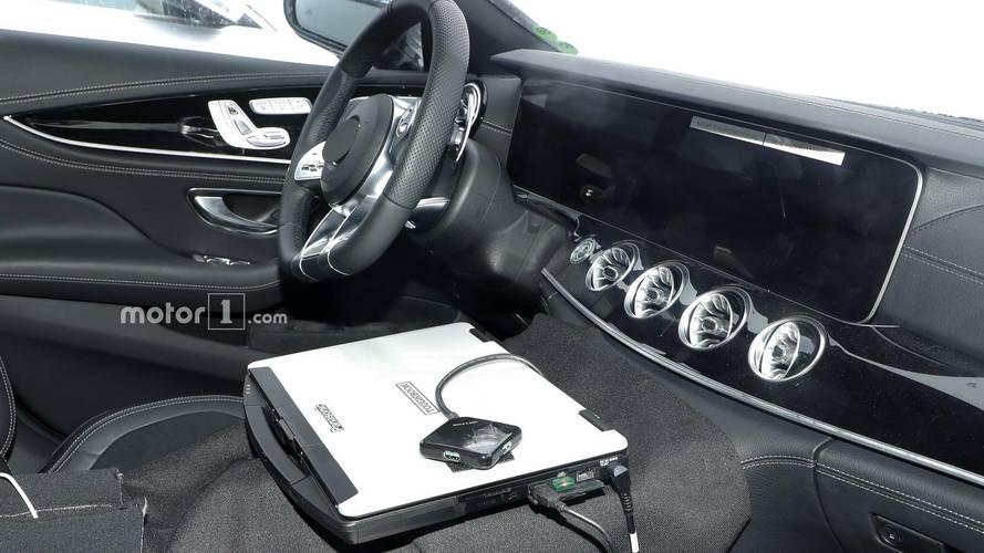 Mercedes-AMG GT Coupe'nin kabini görüntülendi