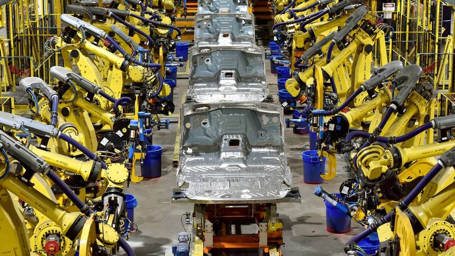 Ford Boosts Expedition, Navigator Production Due To High Demand
