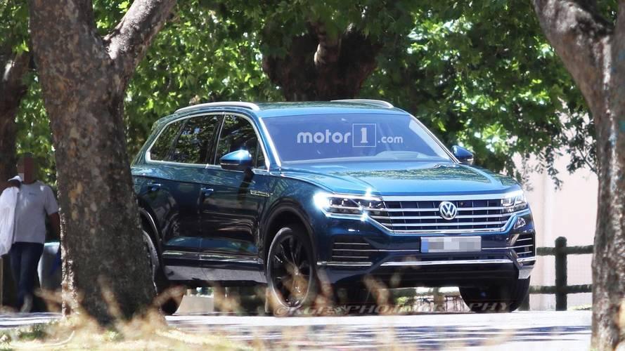 Flagra - Novo VW Touareg 2018 é pego sem camuflagem!