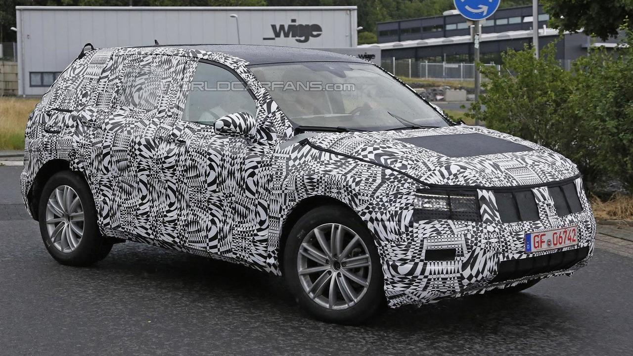 2016 Volkswagen Tiguan spy photo