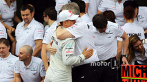 Michael Schumacher, Mercedes AMG F1 and Ross Brawn, Mercedes AMG F1 Team Principal at a farewell to F1 team photograph