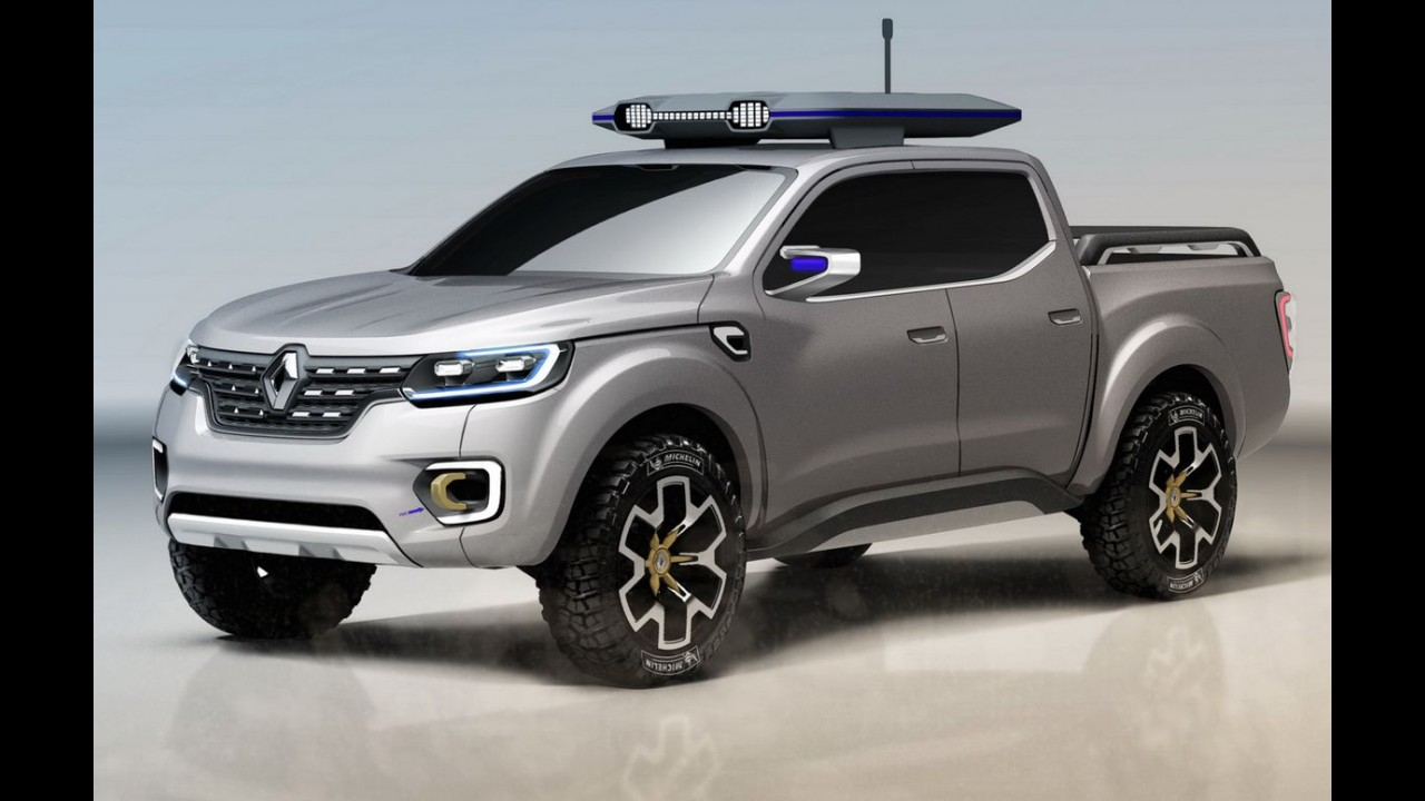Renault Alaskan aparece sem disfarces em versão de produção