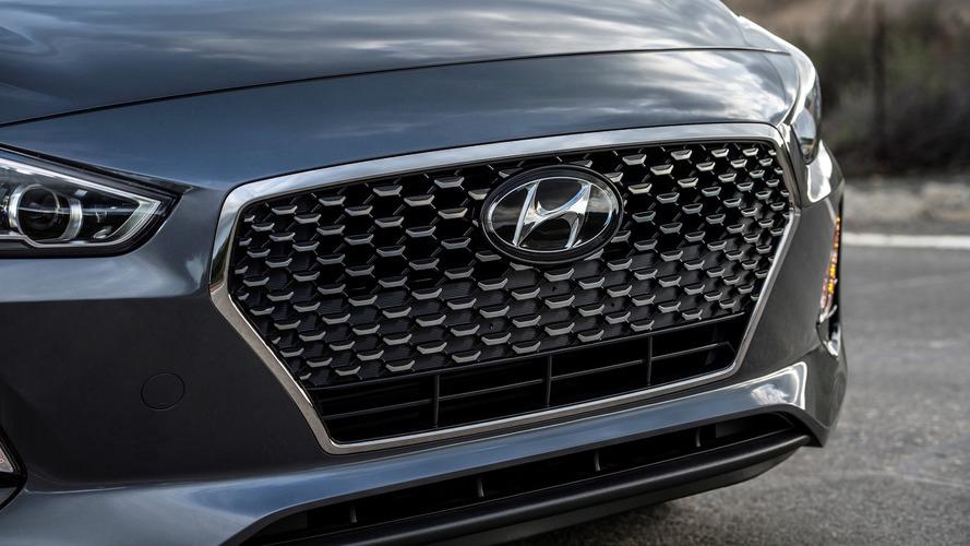 Hyundai, Elantra GT'nin teaser'ını yayınladı