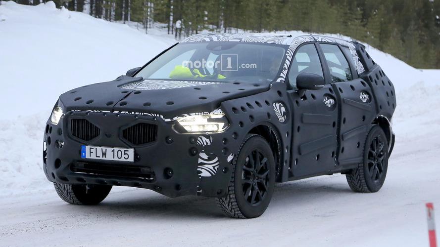 Photos espion - Le nouveau Volvo XC60 surpris en essais en Suède