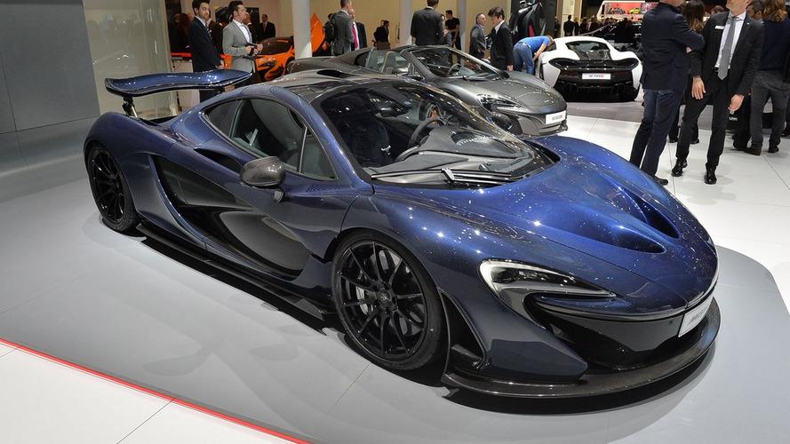 McLaren P1 lands in Geneva with exposed carbon fiber body