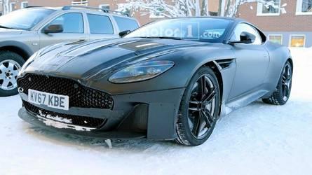 Photos espion - La future Aston Martin Vanquish à peine couverte