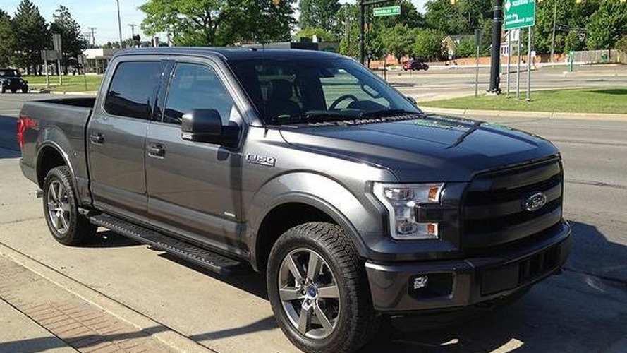 2015 Ford F-150 shows its aluminum body in Detroit