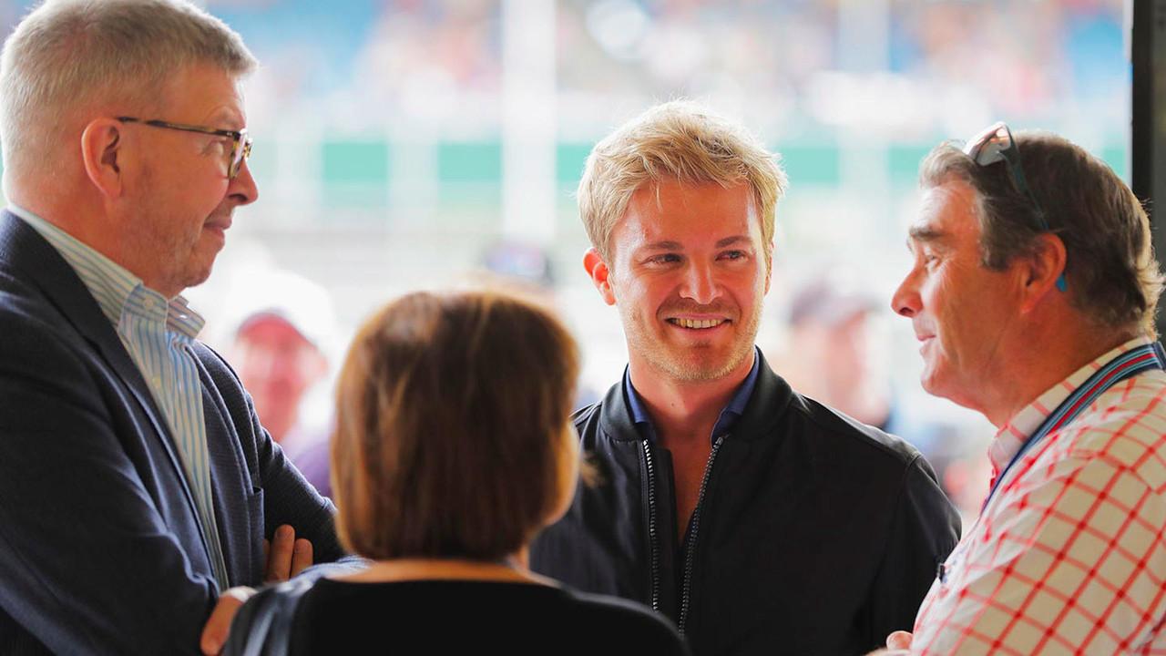 Nico Rosberg trofeo campeón F1