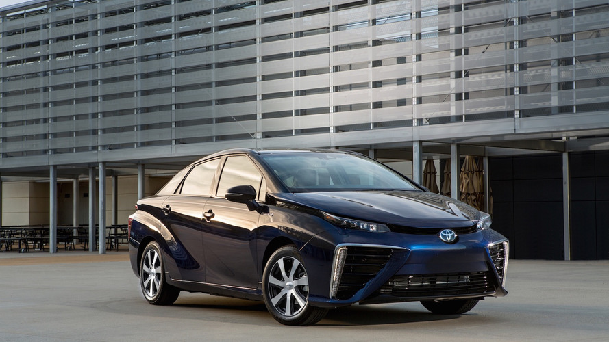 Hydrogen-powered Toyota Mirai completes faultless 50,000 miles