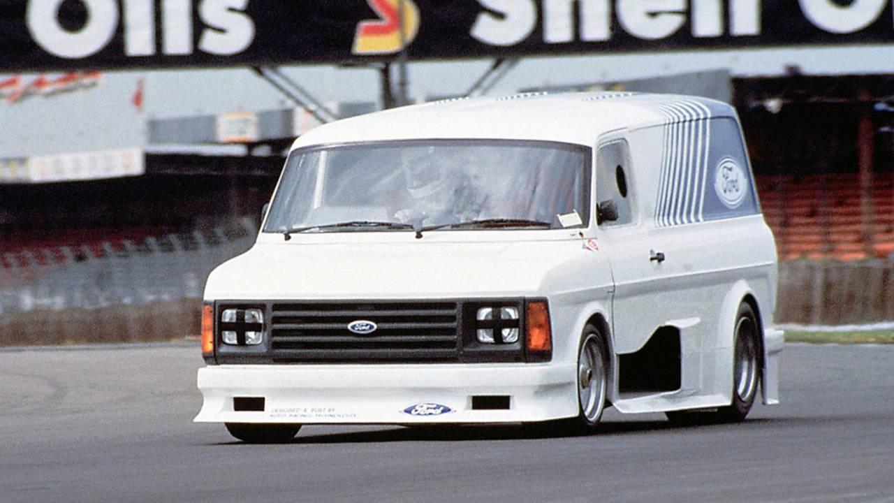 Ford Transit Supervan 2