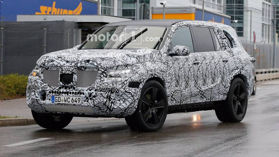 New Mercedes GLS Caught Testing In The Rain