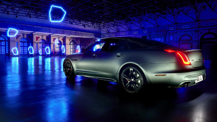 Elektromos limuzinként fog újjászületni a Jaguar XJ
