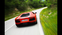 Lamborghini Aventador LP700-4 su strada