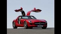 Mercedes SLS é o Carro do Ano 2011 para a Playboy