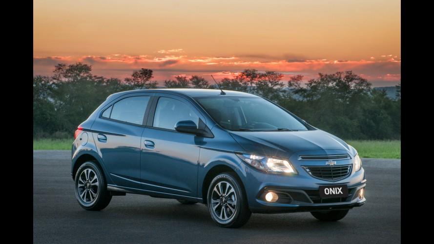 Onix e Prisma 2014 ganham câmbio automático por R$ 43.390 iniciais