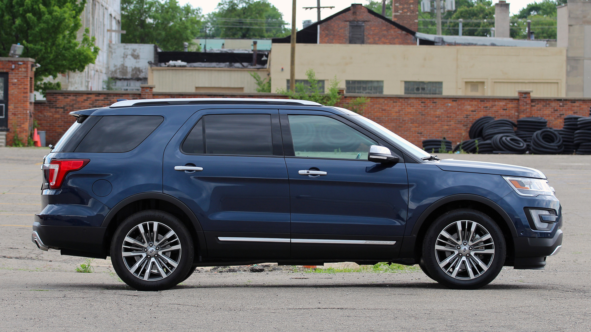 three one platinum more with news week show ford explorer quarter front