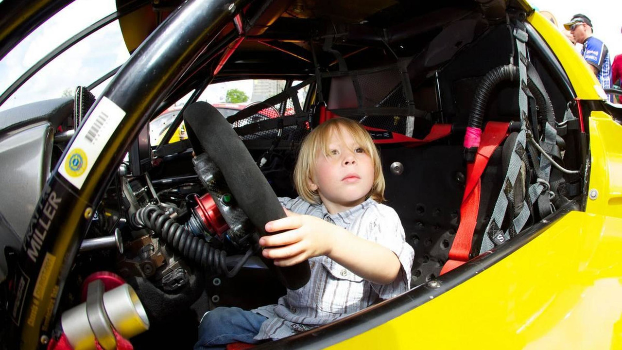 A young fan inside the #63 Corvette Racing Chevrolet Corvette C6 ZRL - 24 Hour of Le Mans 2010, 04-11.06.2010 Le Mans, France
