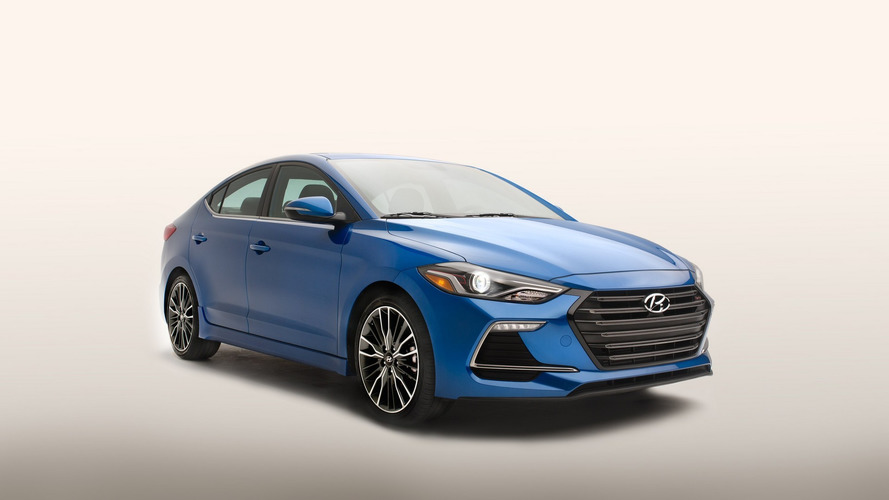 2017 Hyundai Elantra Sport unveiled with 200 hp, manual gearbox