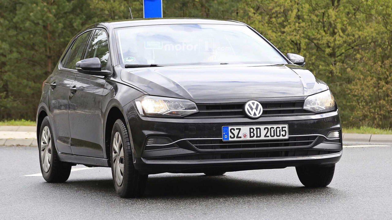 2018 vw polo spied with very little camouflage for Interieur nouvelle polo