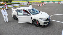 2017 Honda Civic Type R, Japan-spec