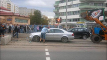 Mercedes-Benz E-Class stuck in wet concrete 24.09.2013
