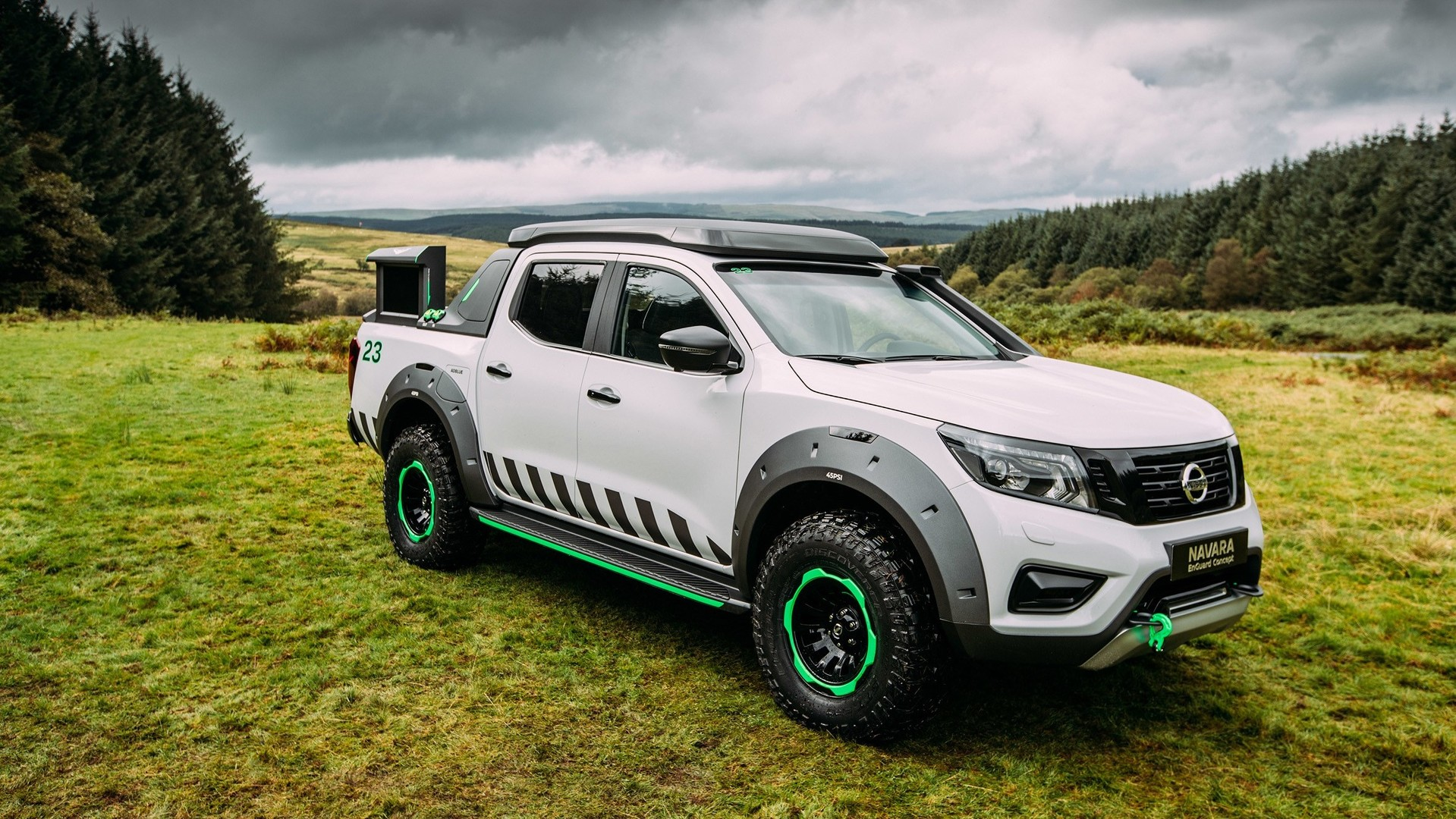 Nissan Pathfinder 2019 >> Nissan Navara EnGuard emergency rescue concept has its own drone