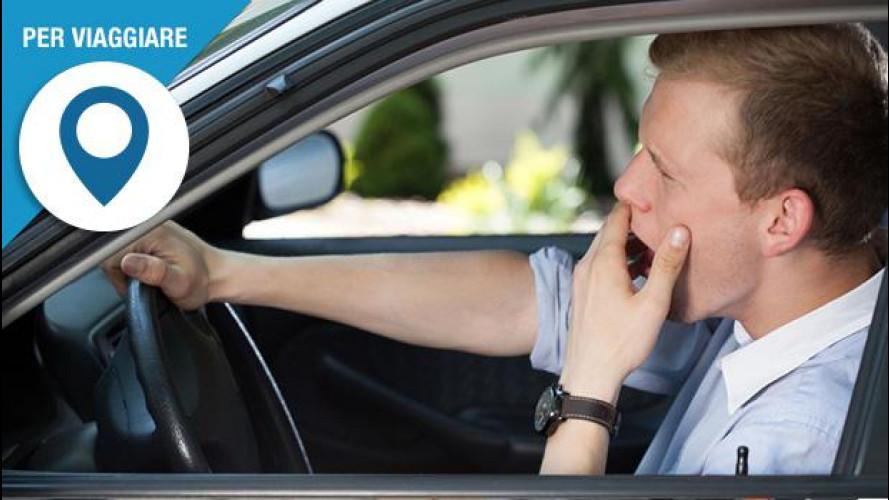 Stanchezza alla guida, sfatiamo i miti su come si previene il colpo di sonno