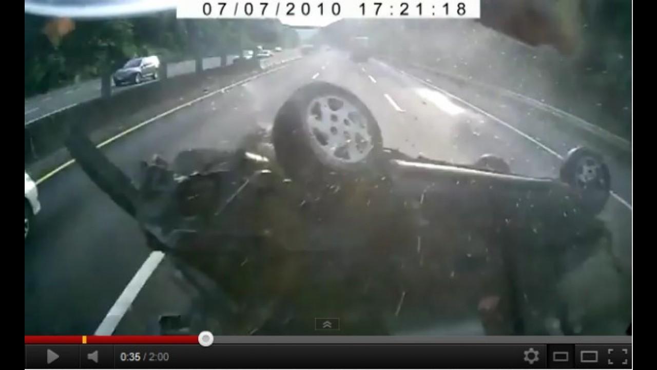 VÍDEOS: Imagens impressionantes de acidentes podem despertar reflexão