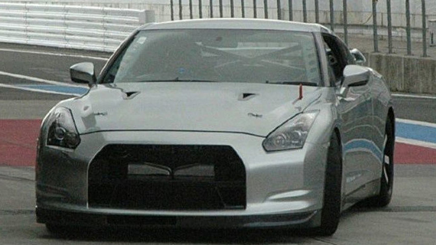 Upcoming Bare-boned Nissan GT-R V-Spec Spied