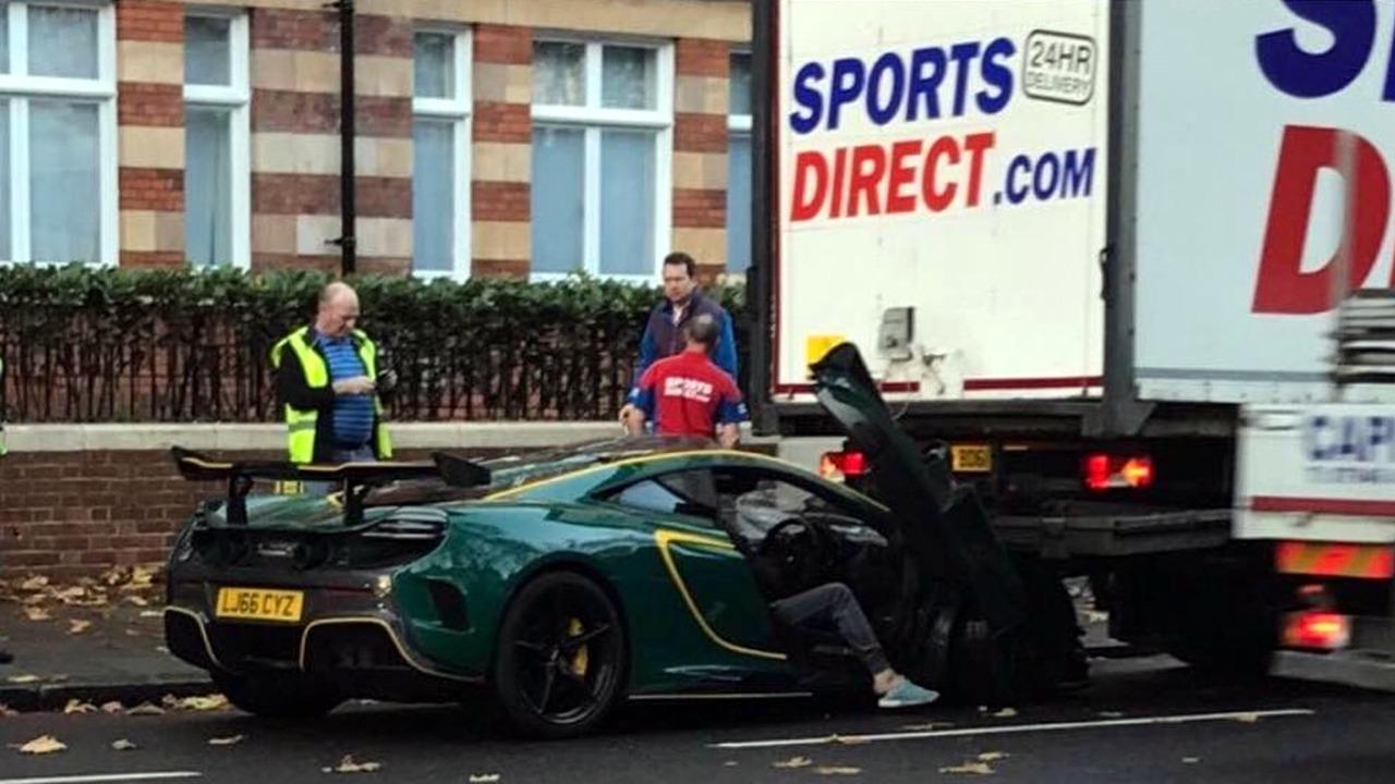 McLaren MSO HS Crash