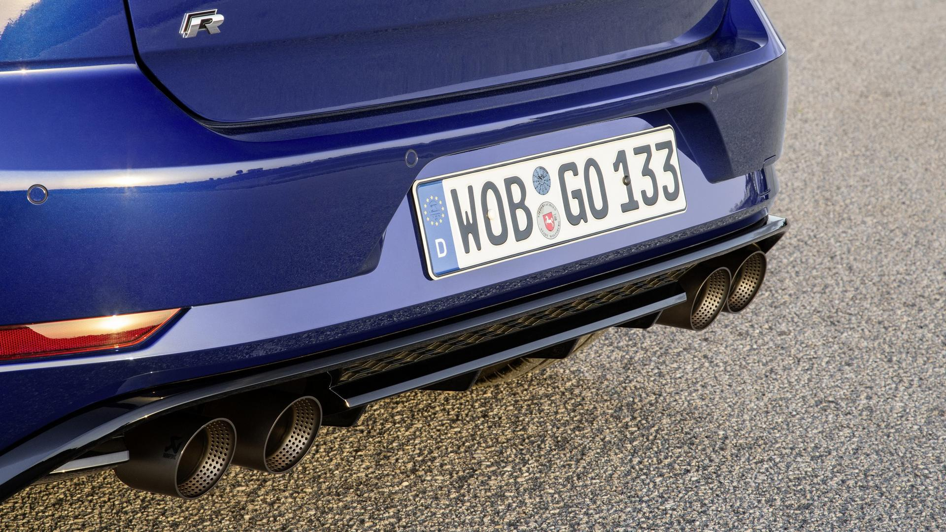 vw golf r performance pack has akrapovic exhaust lighter. Black Bedroom Furniture Sets. Home Design Ideas
