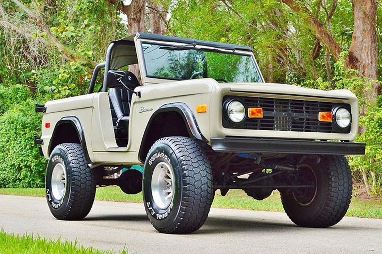 This Ford Bronco Is a Beefed-Up Throwback to Old-School SUVs