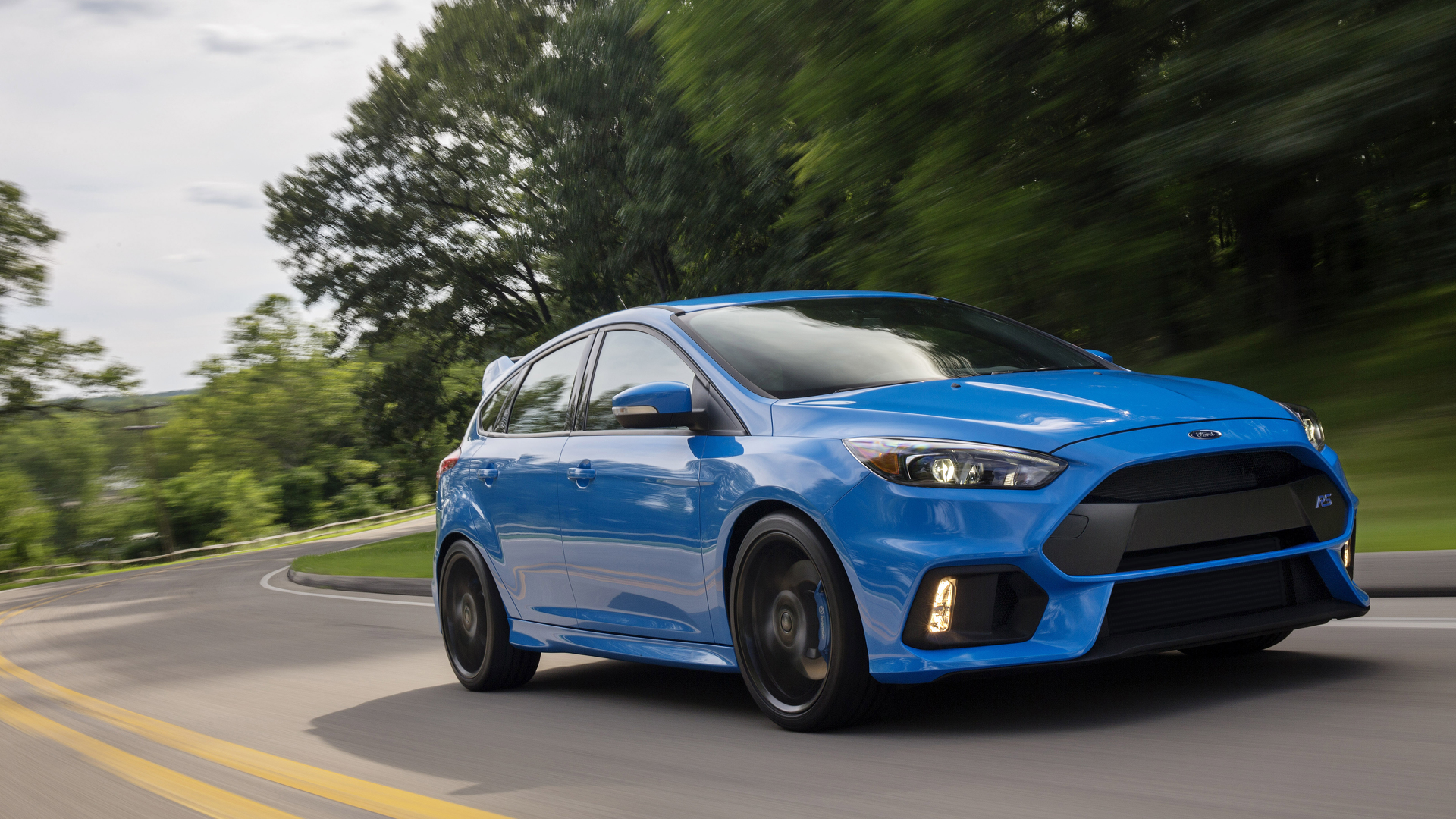 ford focus rs news and reviews. Black Bedroom Furniture Sets. Home Design Ideas