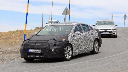 Chevrolet Malibu passa por facelift. Será que agora ele volta ao Brasil?