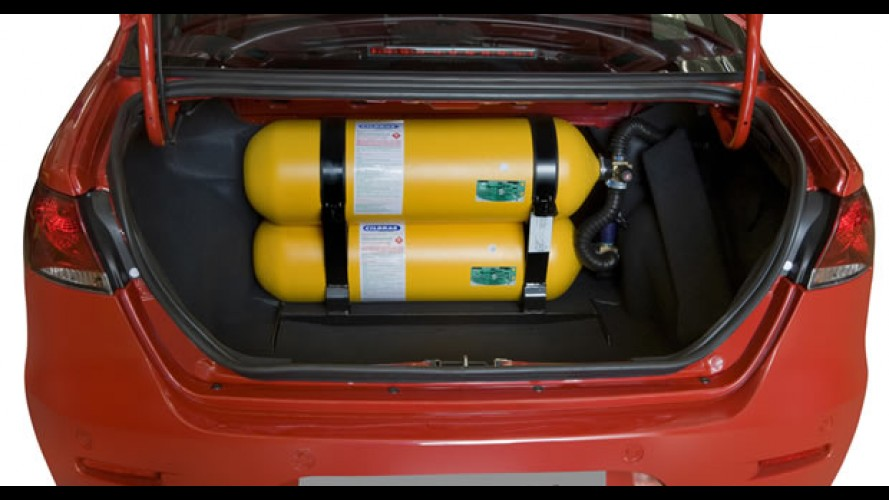 Revisão das velas de ignição deve ser anual em carros movidos a GNV para evitar Back Fire