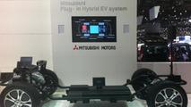 Mitsubishi Outlander Plug-in Hybrid EV system live in Geneva, 640, 06.03.2012
