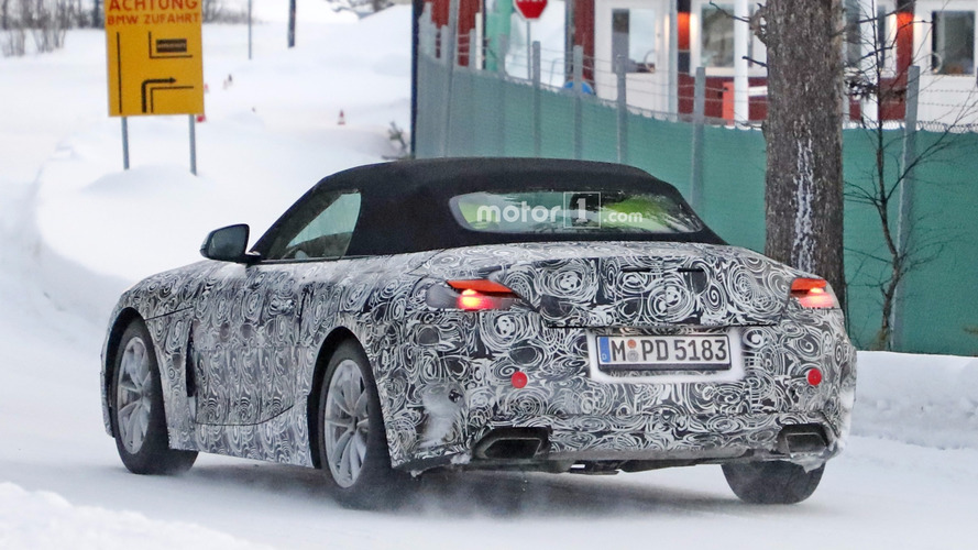 2018 BMW Z5 spied with different exhaust tips