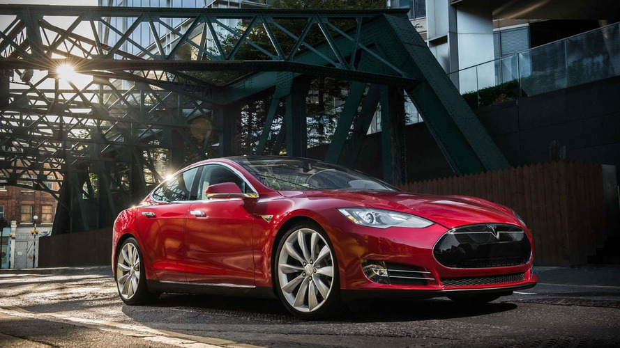 Tesla announces Model S business leasing for the US