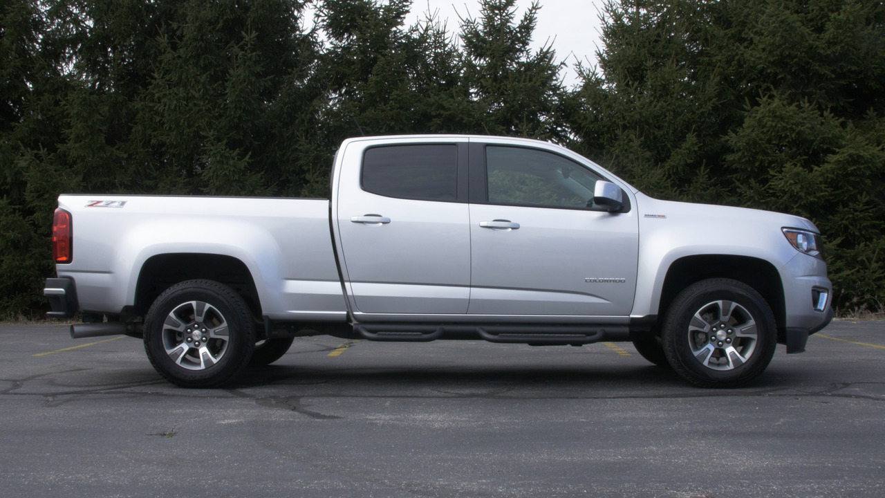 2016 Chevrolet Colorado Diesel | Why Buy Headliner