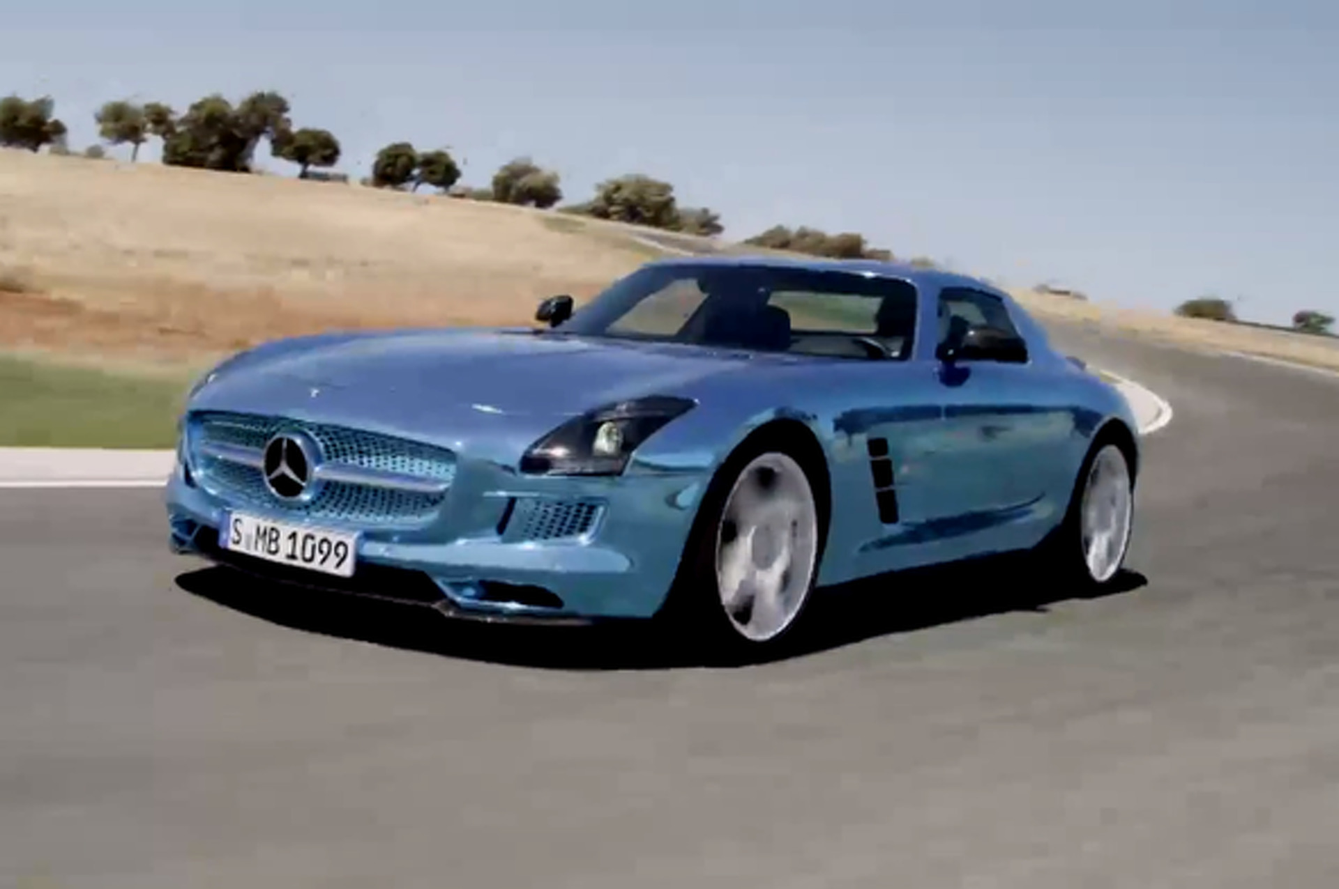 Video: Mercedes SLS AMG Electric Drive Runs Laps of Ascari Race Course