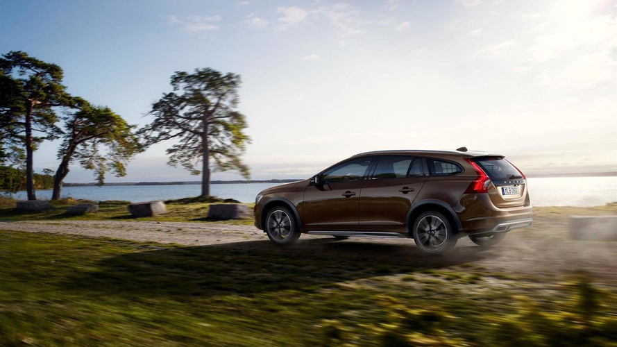Volvo V60 Cross Country pricing announced (US)