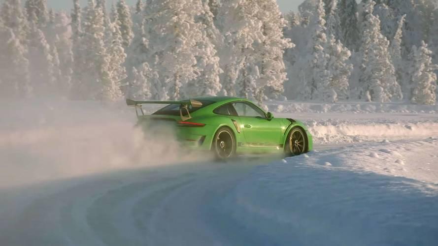 Disfruta con este Porsche 911 GT3 RS 2018, bailando sobre hielo