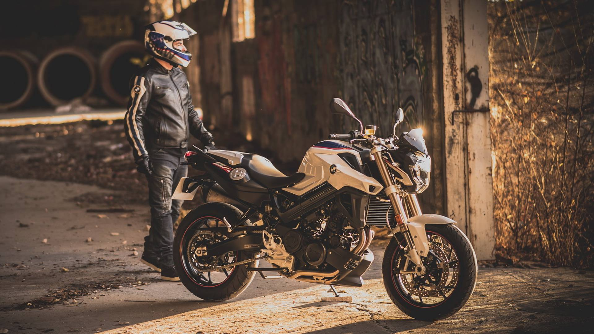 BMW Motorrad Espana Presenta La Nueva F 800 R Akrapovic