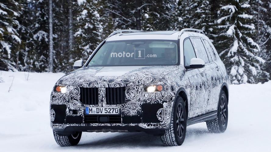 2018 BMW X7 kameralara kükredi