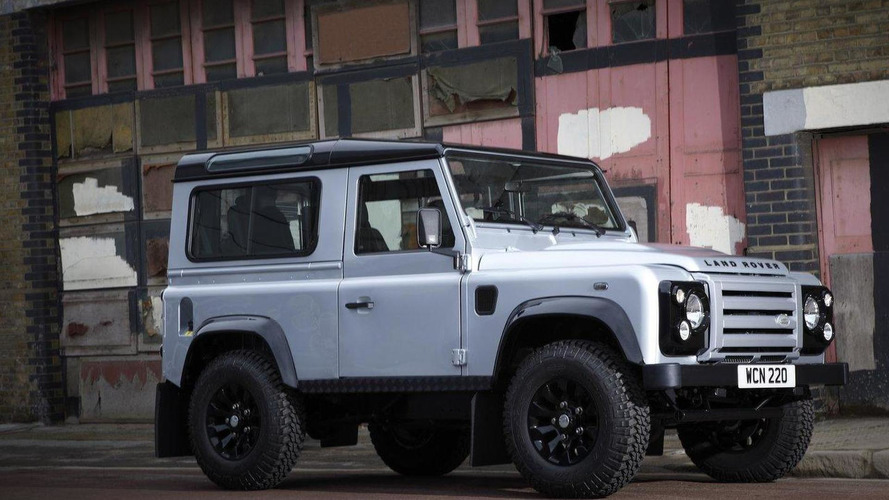 Land Rover Defender replacement under development - report