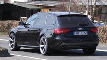 Audi RS4 Avant mule spied 30.03.2011