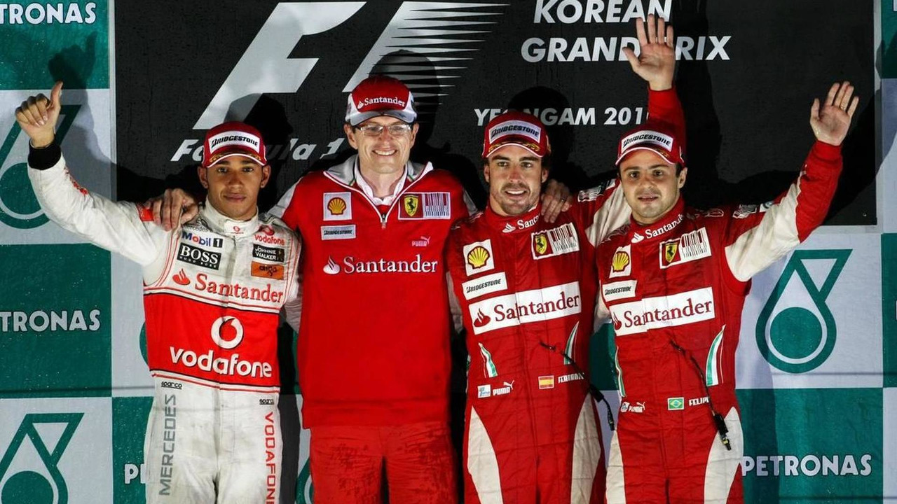 Lewis Hamilton (GBR), Chris Dyer (AUS), Scuderia Ferrari, Track Engineer of Fernando Alonso (ESP), Fernando Alonso (ESP), and Felipe Massa (BRA), Formula 1 World Championship, Rd 17, Korean Grand Prix, 24.10.2010 Yeongam, Korea