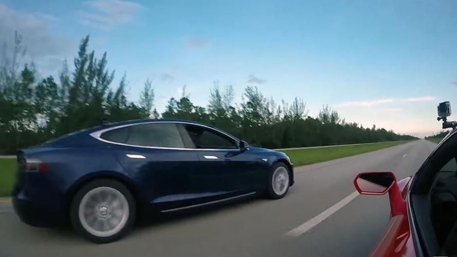 Tesla Model S P100D, Lamborghini Huracan'a karşı